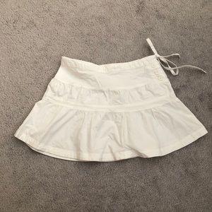 *3 for $20* Urban behavior White mini skirt small